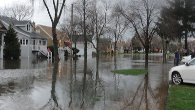 Vernon Ave under water  Photographer's Name: norma bernsee Photographer's City and State: brookfield, IL