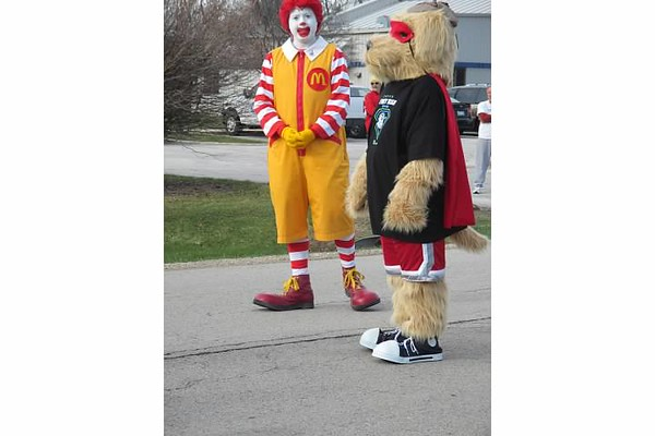 Ronald and Dewey prepare to blow the horn before take off!<br /> <br /> Photographer's Name: julie travers<br /> Photographer's City and State: elmhurst, IL