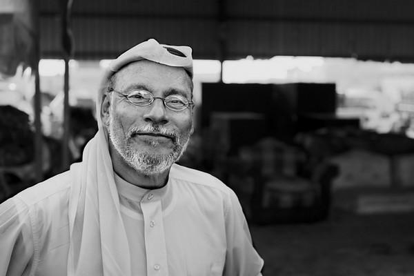 Mercado do peixe, Al Qatif - Arábia Saudita.<br /> O maior mercado do peixe da Península Arábica também tem um mercado da fruta de grandes dimensões, de tal forma que justifica os vendedores do Bahrain fazerem os cerca de 80 kms de distância para lá ir vender os seus produtos.<br /> As relações entre os Xiitas de Qatif e Bahrain também ajuda nos negócios em ambos os lados.<br /> 2013