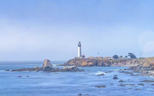 this is one of the many lighthouses present on the CA pacific coast. this was taken while driving towards santa cruz.