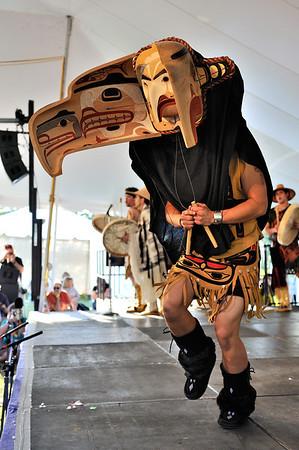 Git-Hoan Dancers 2011 Richmond Folk Festival.