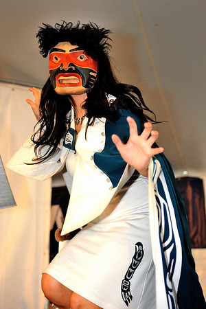 Git-Hoan Dancers 2011 Richmond Folk Festival