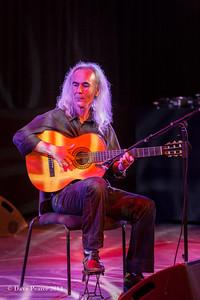 Guitarist in the Clore.