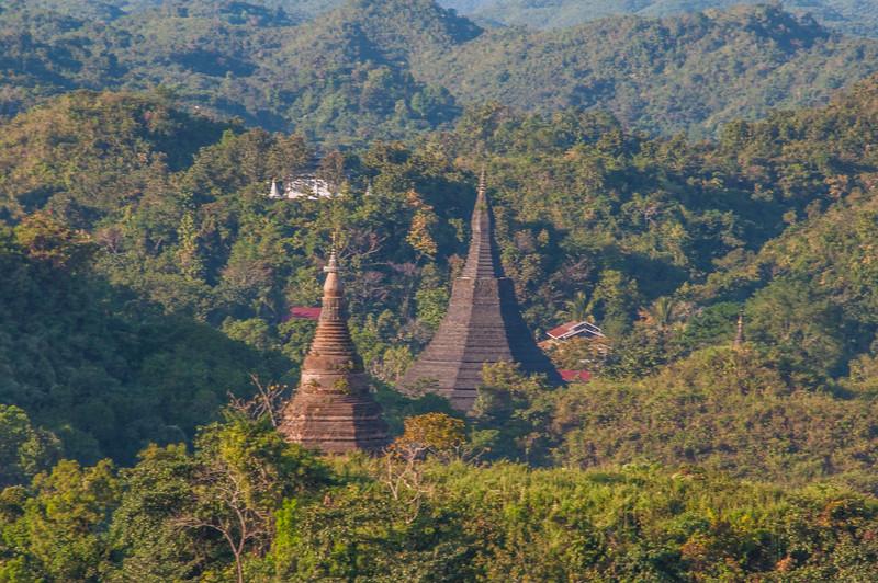 Myanmar 2011 - Mrauk U - Day 1