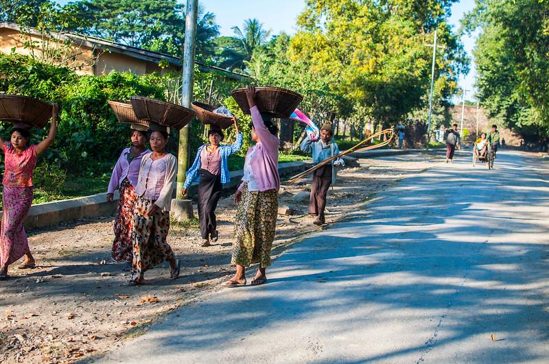 Myanmar 2011 - Mrauk U - Day 2
