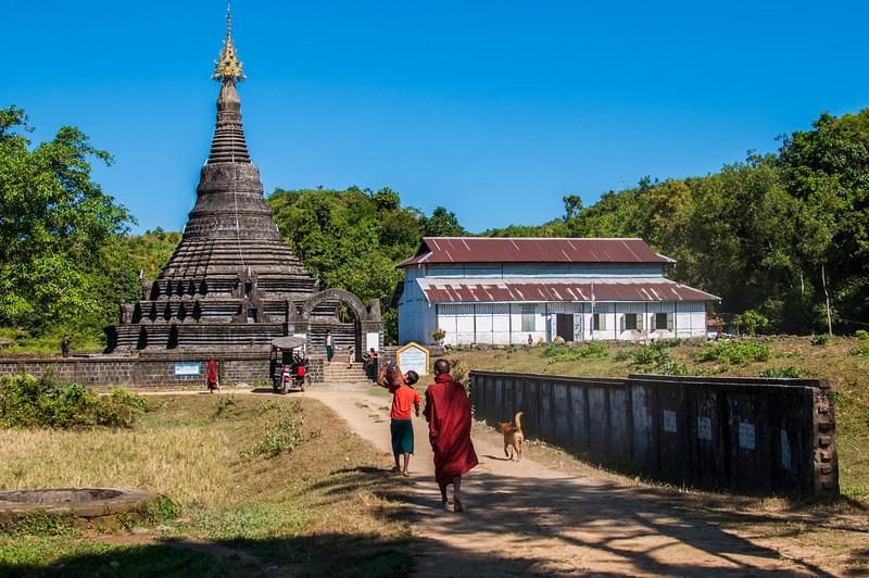 Myanmar 2011 - Mrauk U - Day 3