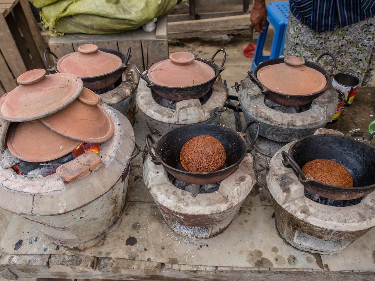 Pyaung Pyin morning market