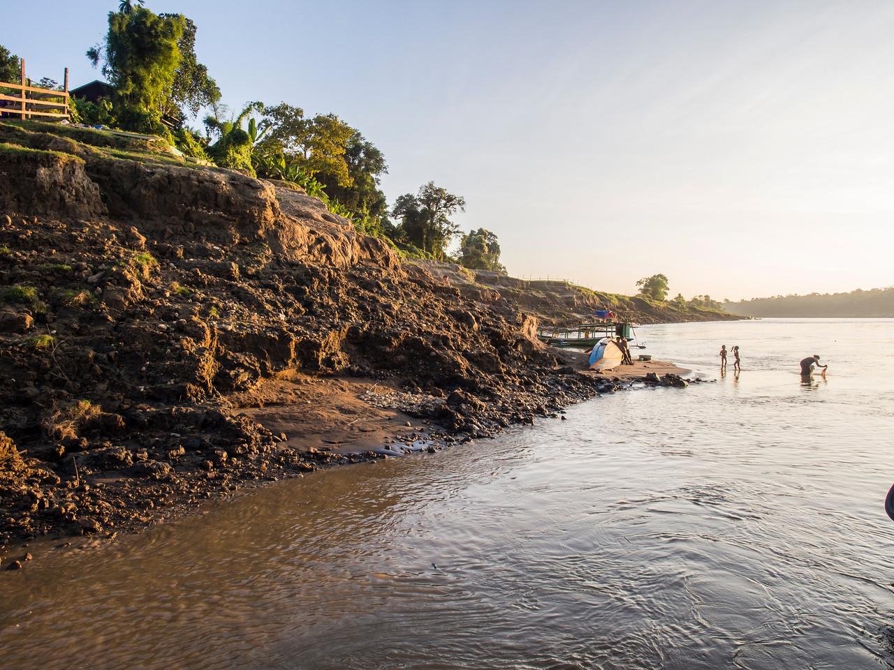 Rivershore, Shan village