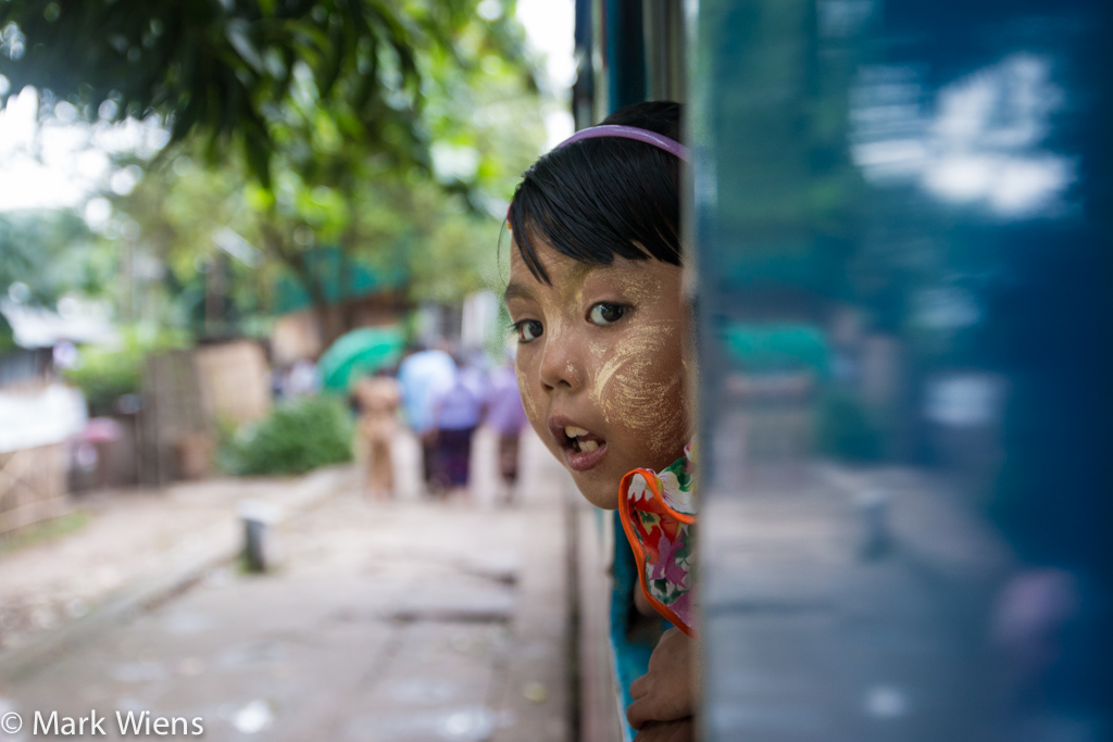 myanmar train 1 X2 41 Photos That May Tempt You to Visit Yangon, Myanmar Immediately