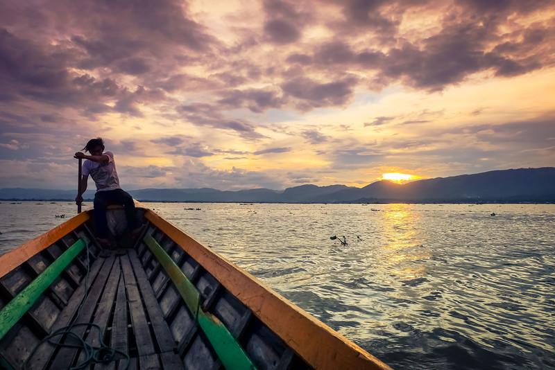 Sunset boat trip on Inle Lake