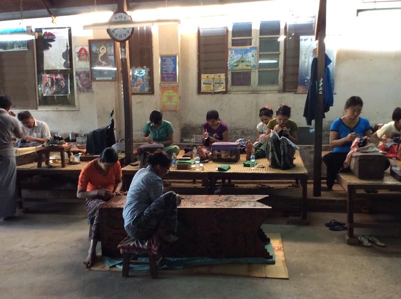 making lacquerware in Bagan