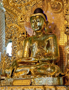 Golden Buddha at Botataung Pagoda. Yangon.