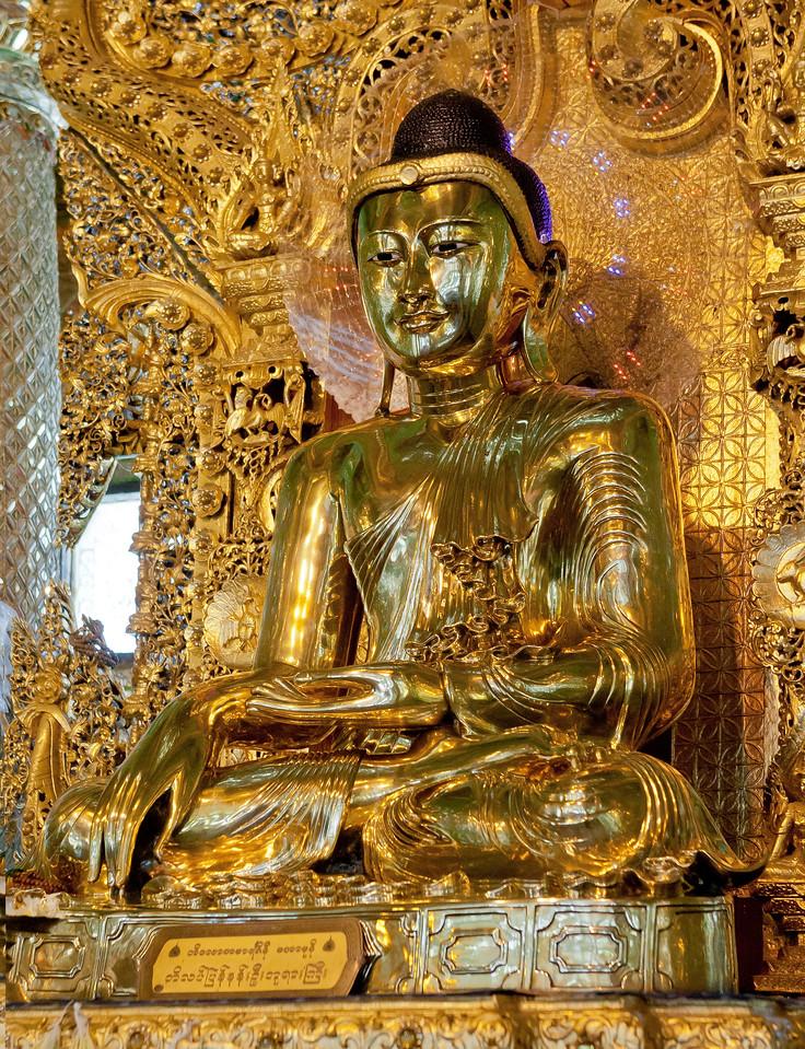 Golden Buddha at Botataung Pagoda. Yangon.