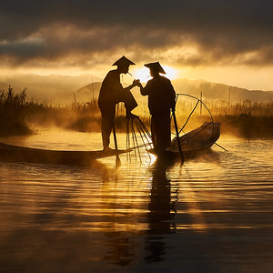 Two fishermen smoking