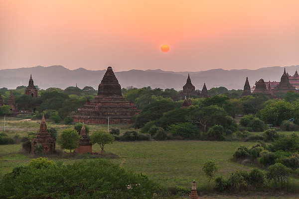 Low Sun over Bagan