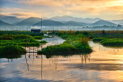 Inle lake at sunrise