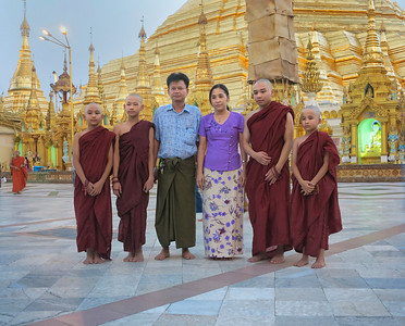 Family Portrait. Shwedagon Pagoda, Yangon.