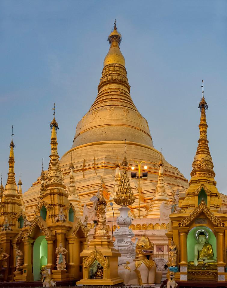 Shwedagon Spires. Yangon.
