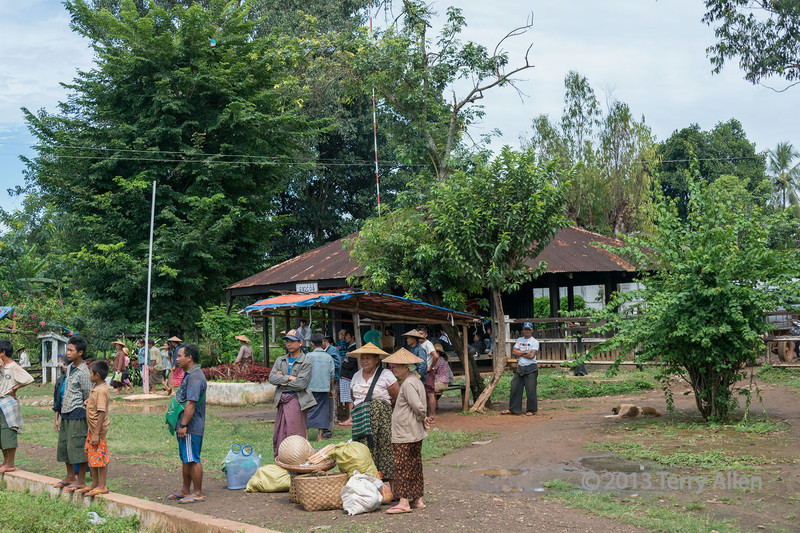 Villagers waiting for the Pyin Oo Lwin train, Myanmar