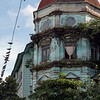 Old-colonial-building-and-pigeons,-Yangon,-Myanmar