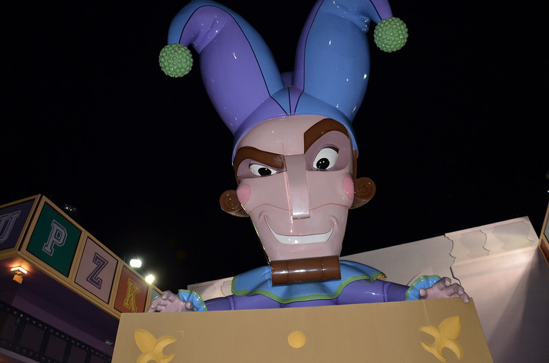 Giant Jack-in-the box at the Hollywood Movies Resort.