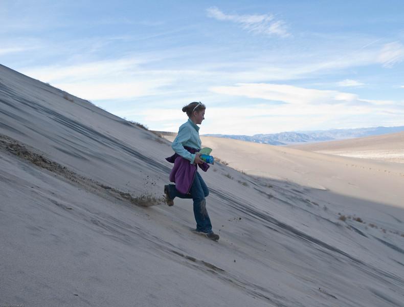 LJ Running down the dunes