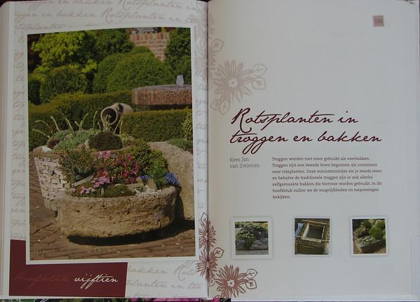 Handboek voor de Rotstuin, hoofdstuk 'Rotsplanten in troggen en bakken'