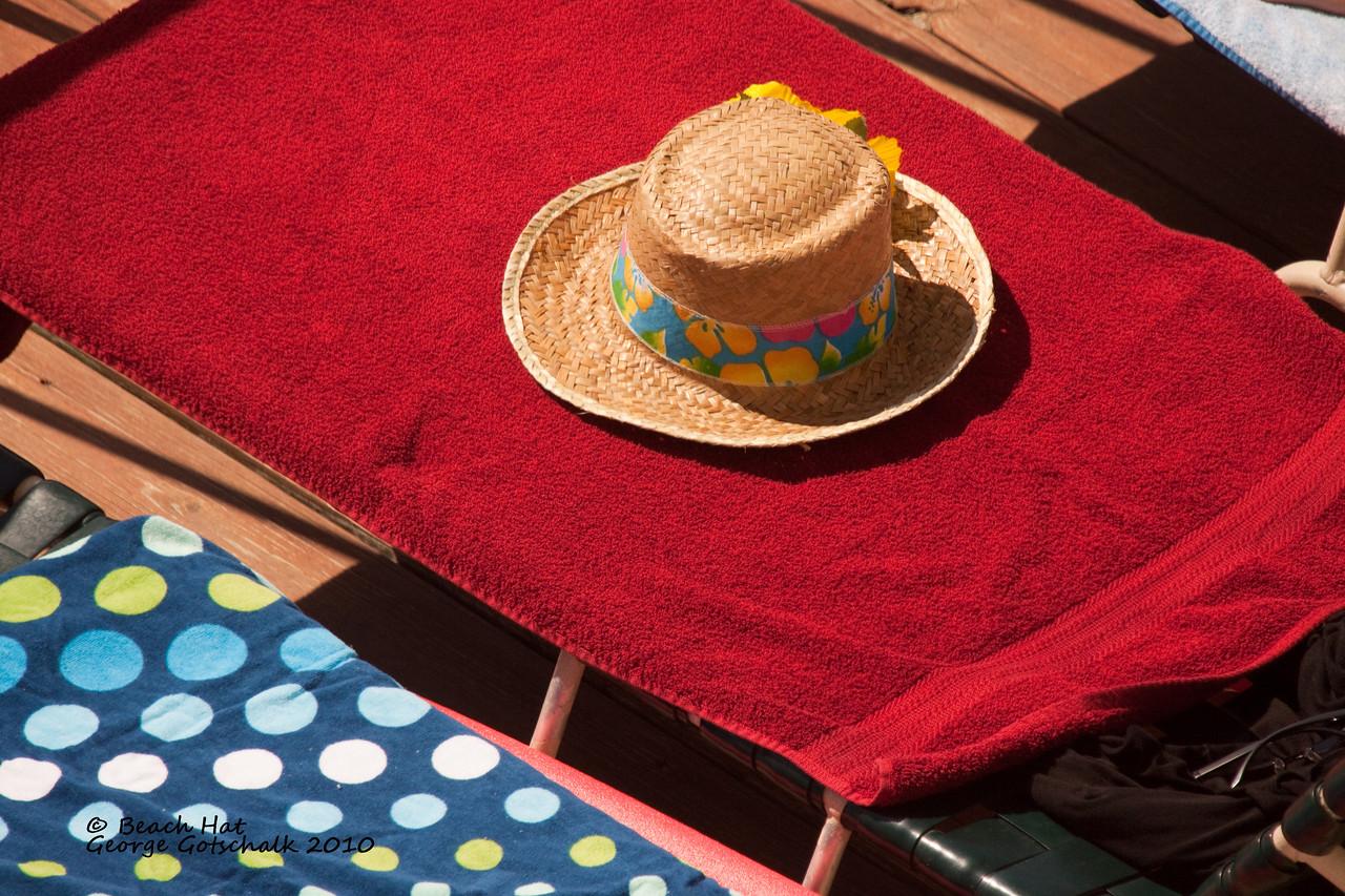 Beach Hat waiting