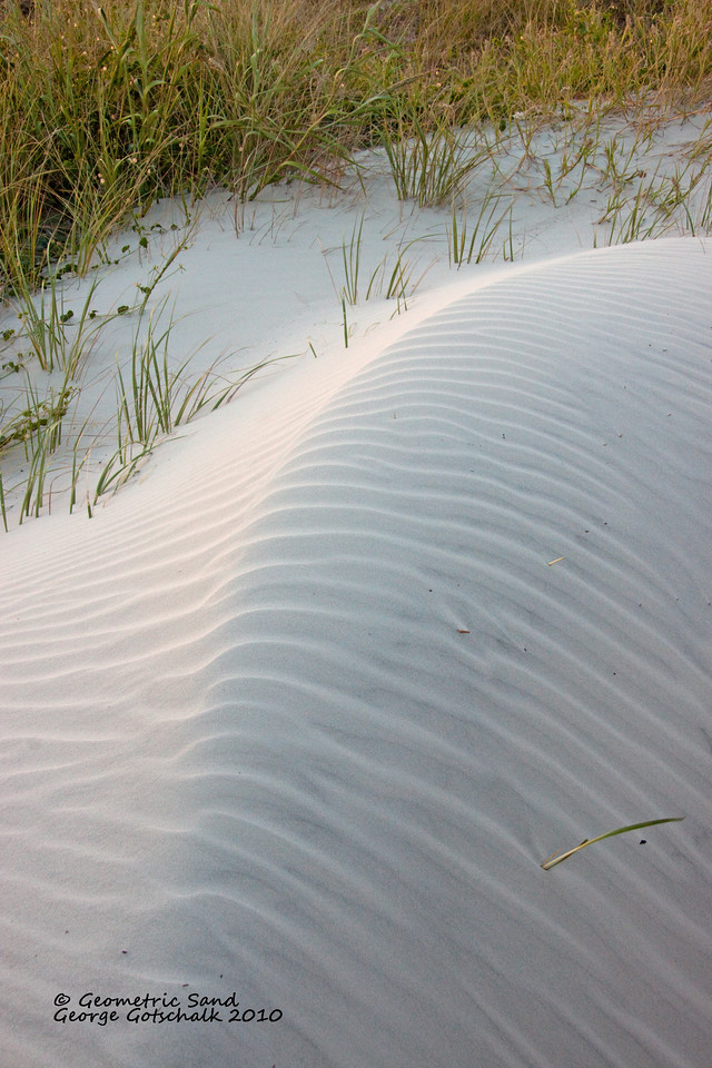Natural sculpture with geometric sand