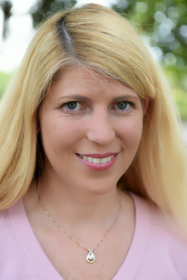 Suzanne Miller Head Shots