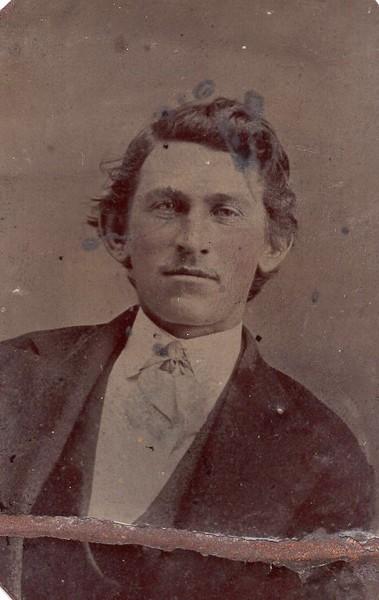 Unidentified Man in a Tintype II (07144)