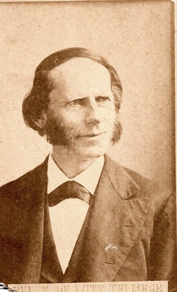 Unidentified Man in a Suit III (07135)