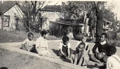 Children in a Sandbox I (01647)
