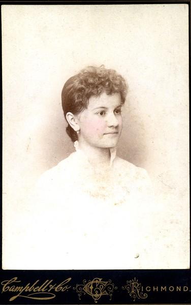 Unidentified Woman (07049)