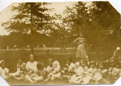 Group of Girls Holding Dolls I (02121)