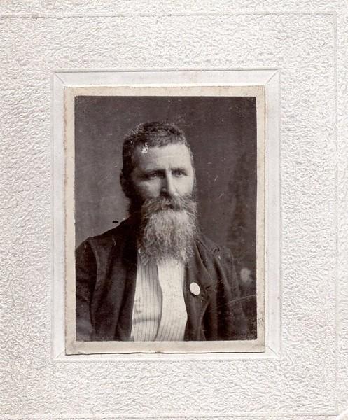 Unidentified Man with Long Beard (07136)