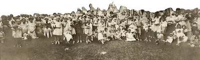 Group of Children Holding Dolls (01645)
