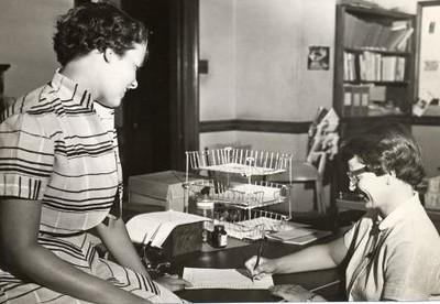 Women at a Desk (02378)