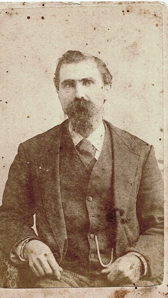 Unidentified Man in a Suit IV (07137)