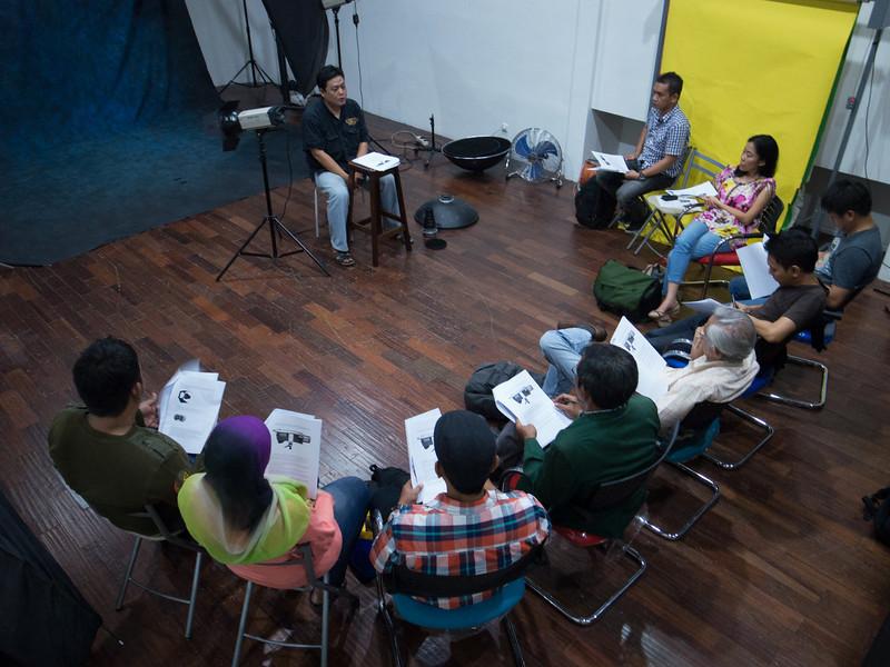 Basic Lighting for portrait class with Mr. Windiarto Chandra