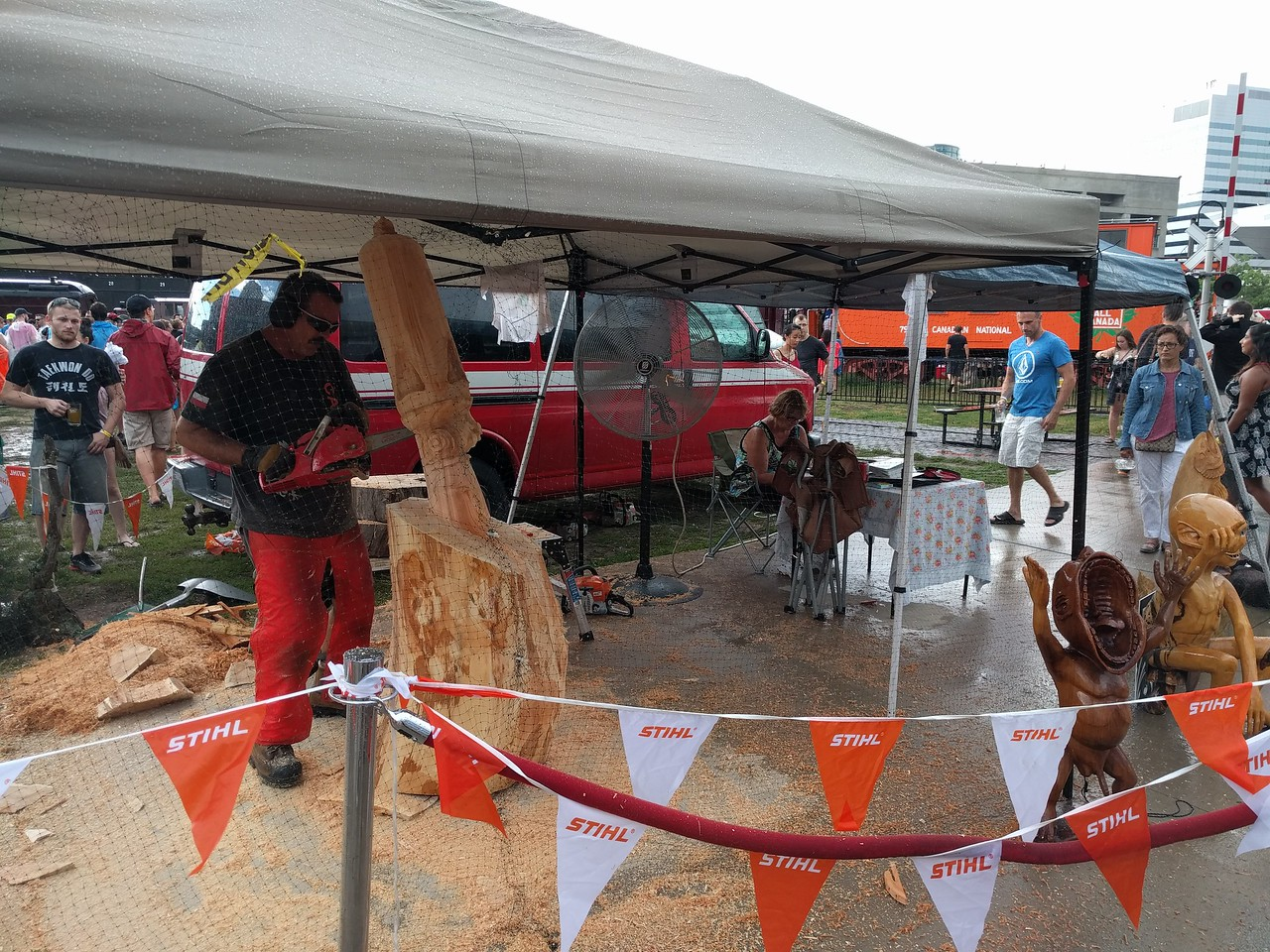 024 - Toronto - Chainsaw Artist at Ontario Craft Beer Festival