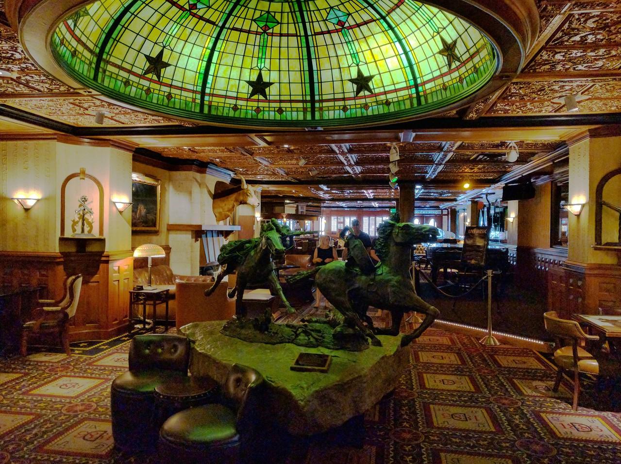 076 - Austin - Driskill Hotel Lounge