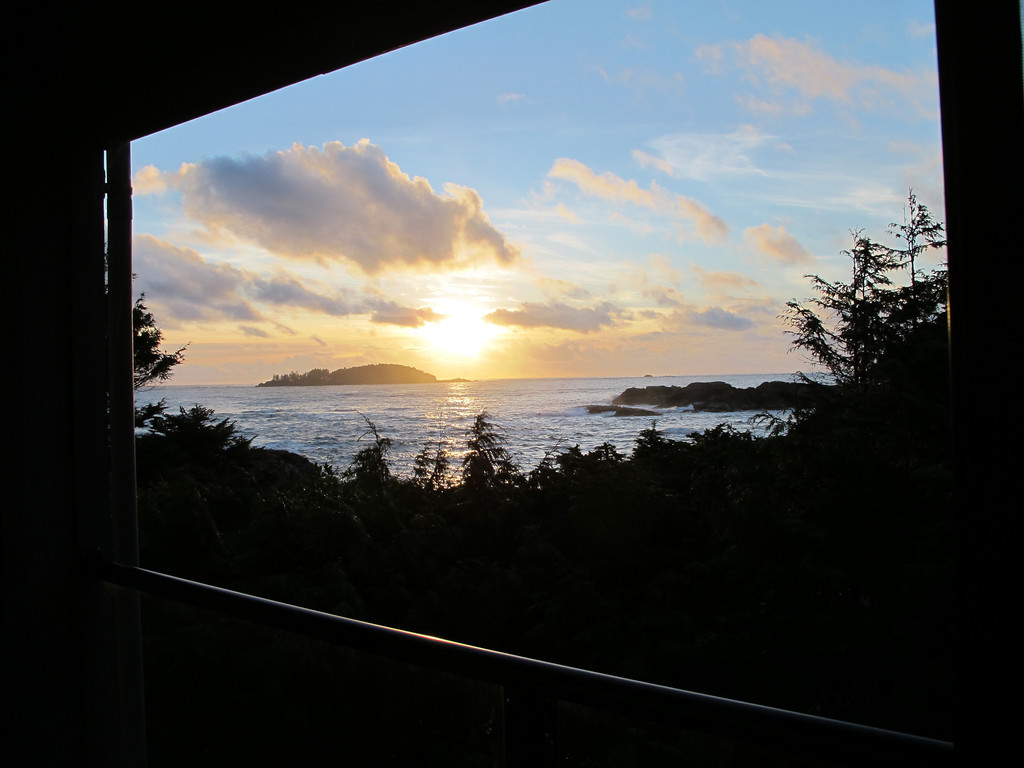 You also get to see great sunsets from rooms as well.