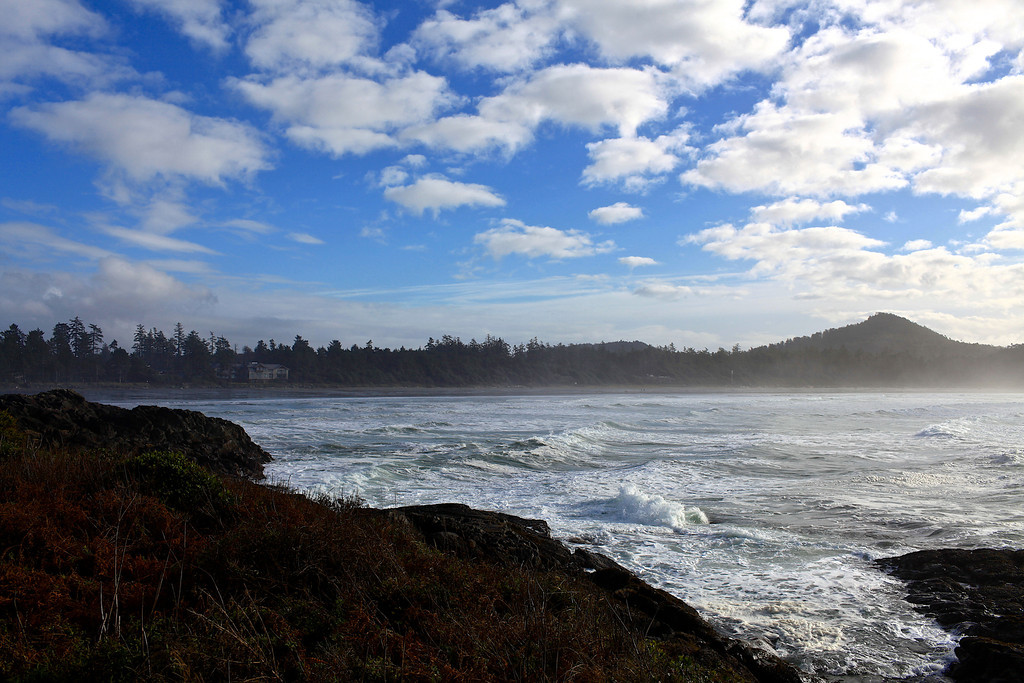 On Pettinger Point, you have great views of both Long Beach and Chesterman Beach.