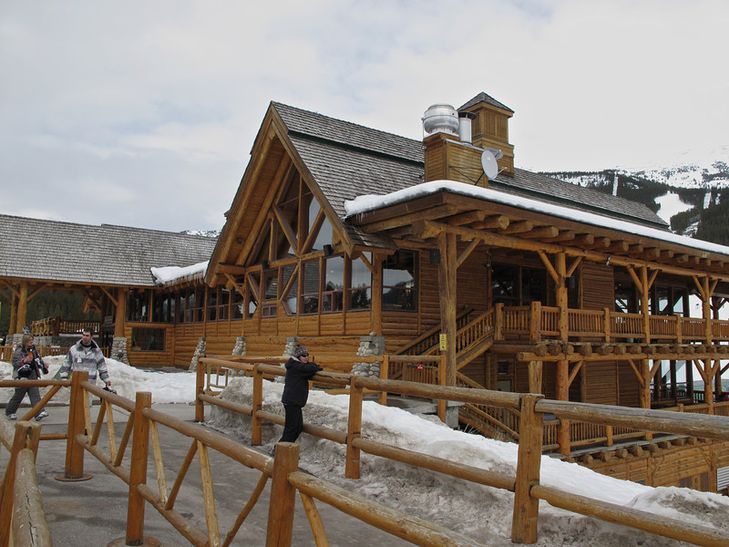 The 24,000 sq ft Lodge of The Ten Peaks sits at the base of the resort and has wrap around decks so you can sit and watch everything happening on the mountain.