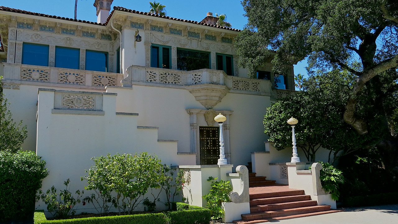 Tours of the Hearst Castle are divided into three separate tours, each lasting about 1 to 1.5 hours.  On this trip, we did the Kitchen and Cottages Tour, which was recently added.