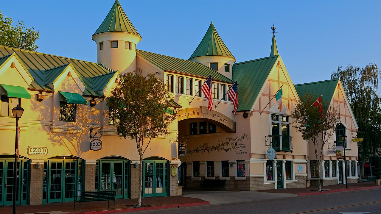 Solvang has become a major California tourist attraction, with over one million visitors per year.