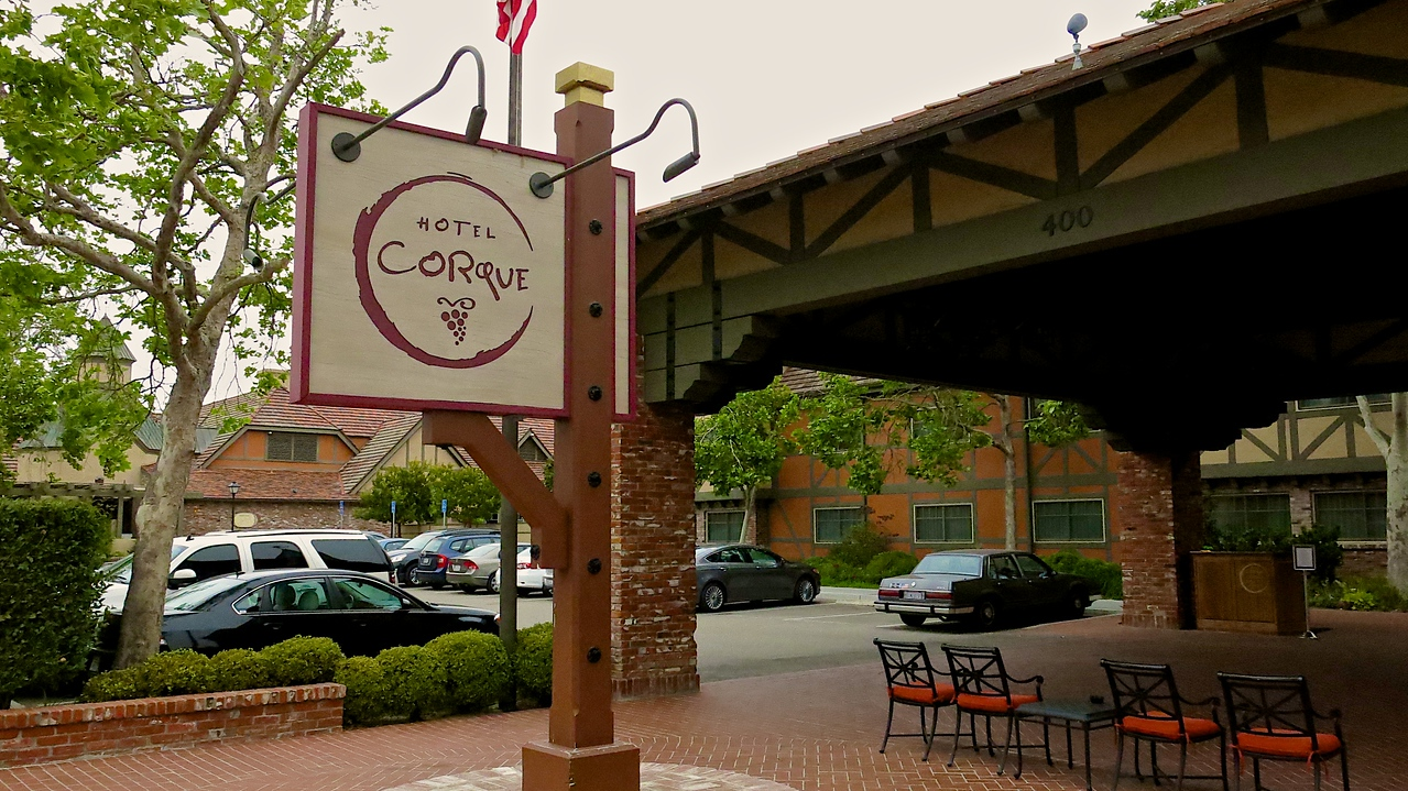Hotel Corque is one of the largest hotels in the Solvang area.  It's owned by the Chumash Indians and is located on the edge of the city.
