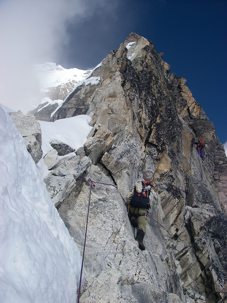 Yellow Tower (5.9) - the most difficult detail, just before C2 (18,865ft/5.750m)