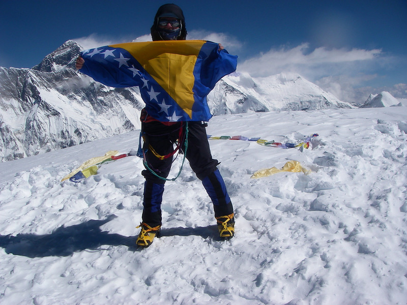 Me with Bosnian flag on the top of Ama Dablam (22,493ft/6.856m).<br /> Behind is Mt Everest (29,035ft/8.850m)